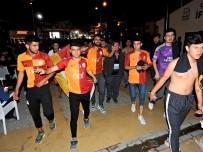 FERHAT GÖÇER - Çeşmeli Galatasaraylılar Çifte Bayram Yaptı