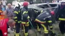 Denizli'de Otomobil Devrildi Açıklaması 3 Yaralı