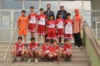 HALK EĞİTİM - Devamsızlığı Futbolla Bitirdiler