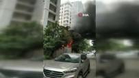 GÖZTEPE - Kadıköy'de İnşaat Alanında Korkutan Yangın