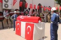 BAYRAM YıLMAZ - Kalp Krizi Geçirip Şehit Olan Acemi Asker Adana'da Toprağa Verildi