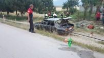 Otomobilin Tavanını Kesen İtfaiye 6 Kişiyi Kurtardı