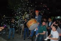 Ramazan Davulcusunu Omuzlarda Taşıdılar