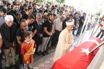 Antalya'da Öldürülen Arkeolog Gözyaşları İçinde Defnedildi