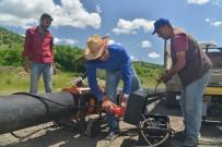 HAYVANCILIK - Büyükşehir Belediyesi'nden Çiftçilere Su Borusu Desteği