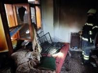 Ev Yangınında Küçük Çocuğu İtfaiye Kurtardı