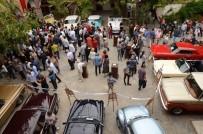 Kervansaray'da Klasik Otomobil, Motosiklet Ve Antika Soba Sergisi Açıldı