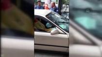 Kontrolden Çıkan Otomobil Kuyumcu Dükkanına Girdi