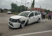 Kulu Otomobiller Çarpıştı Açıklaması 2 Yaralı