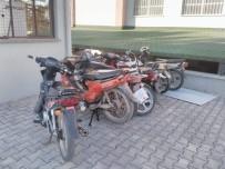 Motosiklet Hırsızları Kısa Sürüde Yakalandı