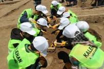 Öğrenciler, Arkeolojik Kazıya Katıldı
