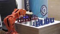 Robotik Kol 'Çolak', Satrançta Rakip Tanımıyor
