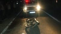Tarsus'ta Kamyonetle Motosiklet Çarpıştı Açıklaması 1 Ölü, 1 Yaralı