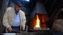 52 Yıllık Demir Ustasının Ateşle İmtihanı
