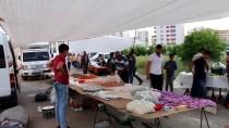Adıyaman'da Pazarda Taşlı Sopalı Kavga Açıklaması 2 Yaralı