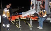 Bafra'da Kamyonet Devrildi Açıklaması 2 Yaralı