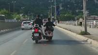 Benzini Biten Motosikleti Ayağıyla İtti