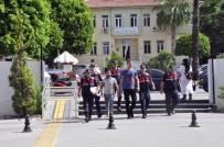 Bilgisayar Kasasında Uyuşturucu Saklayan Şüpheliler Tutuklandı