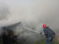 Bolu'da Çıkan Yangın Traktör Ve Odunluğu Küle Döndürdü