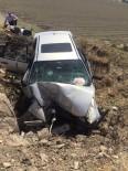 TAHKİKAT - Çocuğun Kullandığı Otomobil Şarampole Yuvarlandı Açıklaması 1 Ölü, 2 Yaralı