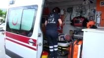 Denizli'de Öğrenci Servisi İle Cip Çarpıştı Açıklaması 14 Yaralı