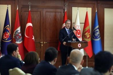 Bakan Akar yeni askerlik sistemini açıklandı