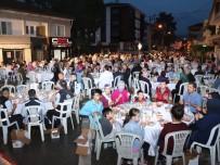 Ramazan Ayının Bereketi Mahalle İftarlarında Yaşanıyor