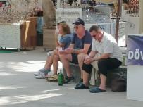 Şarap İçen Turist Fotoğrafını Paylaşıp 'Her Şey Dahil'de Gelinen Son Noktayı Özetlediler