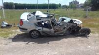 ERKENEK - Tıra Çarpan Otomobilin Sürücüsü Ağır Yaralandı