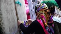 Anne-Kız Aynı Halı Tezgahında Geleneksel Mirası Yaşatıyor