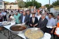Başkan Güder, Taştepe'de İftarda Vatandaşla Bir Araya Geldi