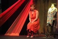 'Bir Kadın Uyanıyor' Samsun'da Sahnelendi