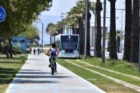 İzmir Tramvayı 35 Milyon Kişi Taşıdı, Dünyayı 67 Kez Dolaştı
