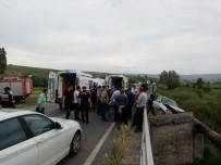 HITIT ÜNIVERSITESI - Kontrolden Çıkan Otomobil Şarampole Uçtu Açıklaması 3 Yaralı