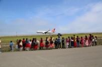 Minik Öğrenciler Uçak Heyecanını Yaşadı