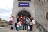 Nevşehir Belediye Başkanı Arı'nın Çocuk Sevgisi