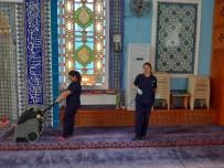 Salihli Belediyesi Camileri Pırıl Pırıl Yaptı