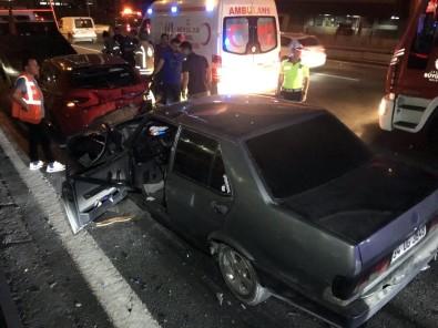 TEM Otoyolunda Yaşanan İki Ayrı Kazada 9 Kişi Yaralandı