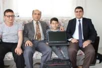 BEDENSEL ENGELLİ - Vali Varol'dan Mühendislik Hedefleyen Engelli Murat'a Hediye Bilgisayar