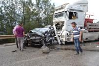 2 Tırın Arasında Kalan Otomobil Hurdaya Döndü Açıklaması 1 Ölü