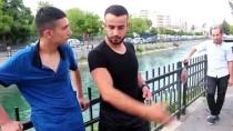 Adana'da Sulama Kanalına Düşen Çocukları Vatandaş Kurtardı