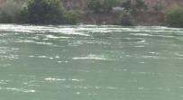 Baraj Kapağı Açıldı, Bir Araç, 1 Tesis Ve Yollar Su Altında Kaldı