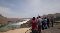 Kapaklar İyice Açıldı, Saniyede 3 Bin 330 Metreküp Su Tahliyesi Başladı