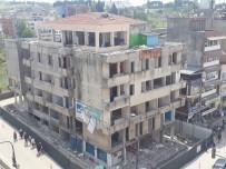 YÜZ YÜZE - Mustafakemalpaşa'da Belediye İş Hanının Yıkımına Başlandı