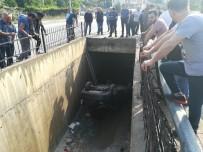 Otomobil 3 Metrelik Su Kanalına Düştü Açıklaması 1 Yaralı