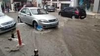 Samsun'da 10 Dakika Yağan Yağmur İş Yerlerini Sular Altında Bıraktı