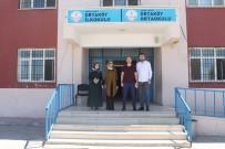 Silopi'de Lise Öğrencileri Köyleri Gezerek Okullarının Tanıtımını Yapıyor