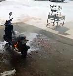Aniden Alev Alan Şarzlı Motosiklet Heyecanlı Anlar Yaşattı
