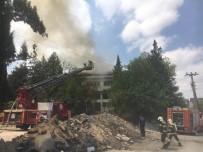 Denizli'de Eski Sağlık Ocağı Binasında Yangın