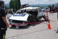 Gediz'de Trafik Kazası Açıklaması 2 Ölü, 2 Yaralı